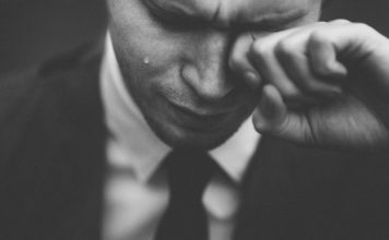【翻訳】英語で知っておきたい、20の悲しみの名言