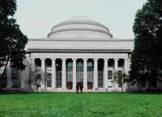 世界最高峰の大学MITが贈る「不服従賞 - Disobedience Award」